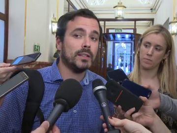 El líder de Izquierda Unida compra piso en la localidad de la que se marcha Iglesias