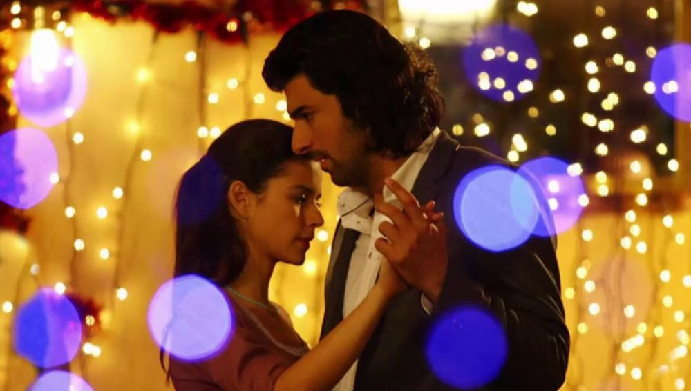 El actor Engin Akyürek, Kerim en 'Fatmagül', no abandona NOVA