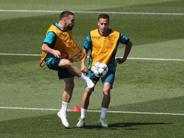 Dani Carvajal junto a Lucas Vázquez en Valdebebas