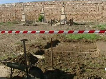 Una exhumación no halla restos de un bebé supuestamente robado en Cádiz