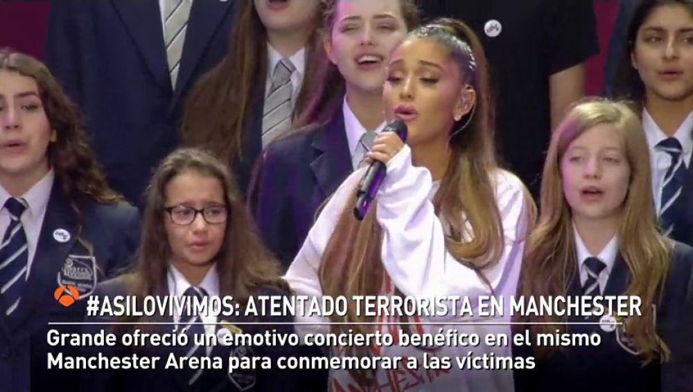 Manchester recuerda en un acto religioso a las víctimas del atentado de hace un año