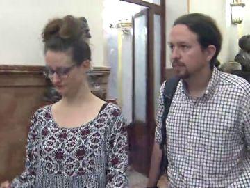 La oposición carga contra el polémico chalé de Iglesias y Montero