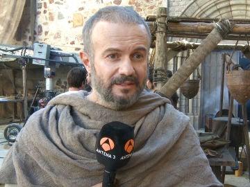 """Tristán Ulloa: """"Las tramas de 'La Catedral del Mar' son bastante crudas"""""""