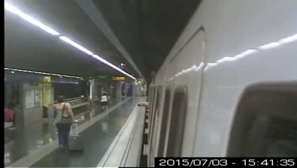 Se investiga el sistema de cierre de las puertas del metro de Barcelona por un accidente del 2015
