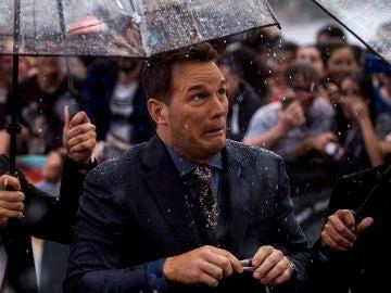 Chris Pratt bajo la lluvia de Madrid