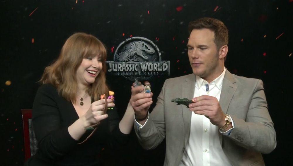 """""""Jurassic World: El reino caído"""" contada como un juego de niños."""