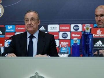 Florentino Pérez, junto a Zidane el día de su despedida