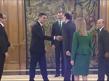 Pedro Sánchez saluda ya como presidente a Mariano Rajoy