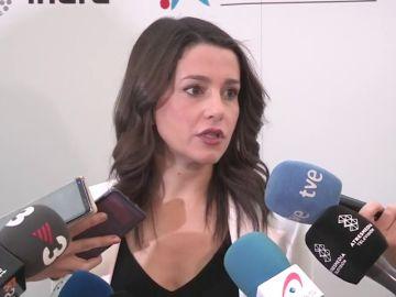 """<p>Arrimadas, a Pedro Sánchez: """"Las exigencias de Torra no son las de Cataluña sino las del separatismo""""</p>"""