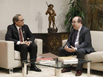 El presidente de la Generalitat, Quim Torra, y el líder del PSC, Miquel Iceta