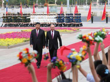 Los presidentes de Rusia Vladimir Putin y China Xi Jinping