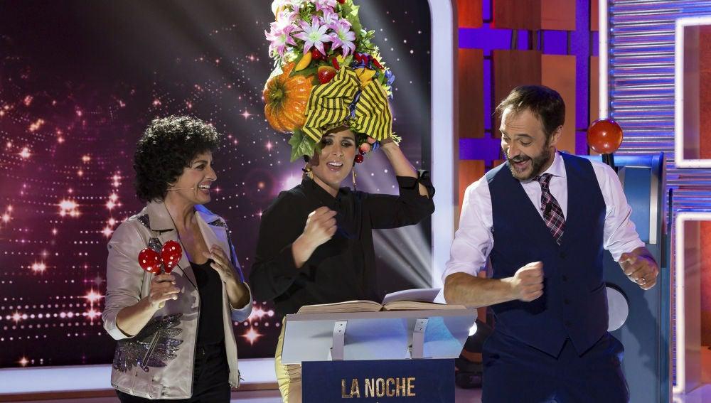 Rosa López canta la receta del salmorejo a lo 'Europe's living a celebration'