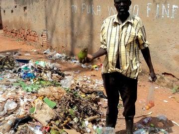 El largo camino de Uganda para prohibir las bolsas de plástico (09-02-2018)