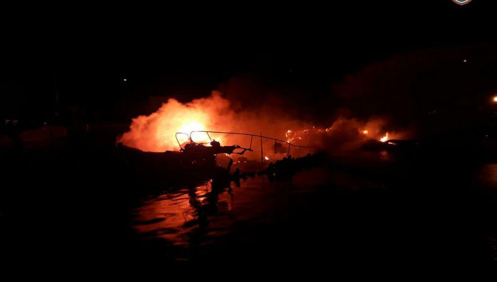 Incendio en el Puerto de Pollença