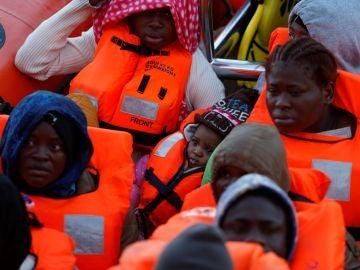 Varias personas rescatadas en el Mediterráneo