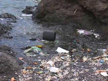 Alerta por contaminación en la Playa del Porís