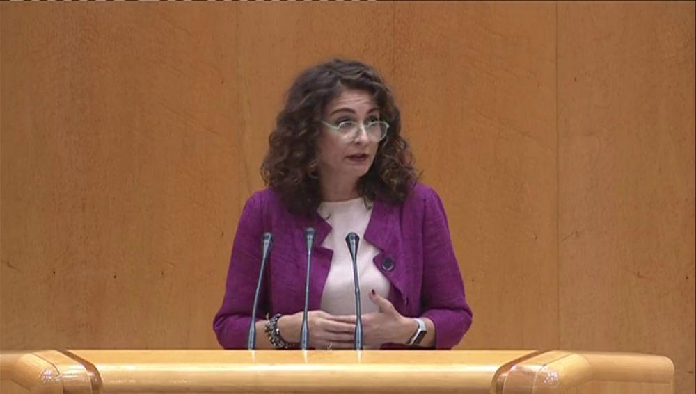 """Montero afirma que el Gobierno podría hacer """"pequeños ajustes"""" en el Presupuesto de 2018 una vez que esté aprobado"""