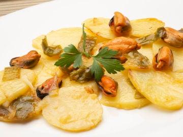 Patatas panaderas con mejillones escabechados