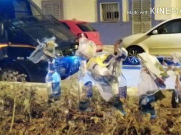 Agreden con cócteles molotov y piedras a varios agentes de Policía Nacional en la Línea
