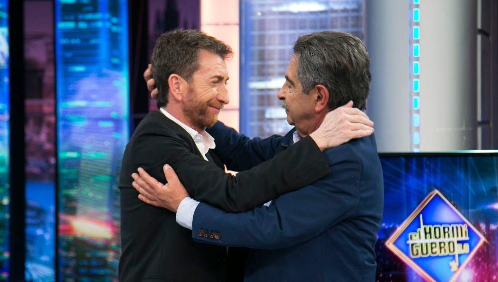 """Las emotivas palabras de despedida de Pablo Motos a Miguel Ángel Revilla: """"Estoy muy orgulloso de ser amigo tuyo"""""""