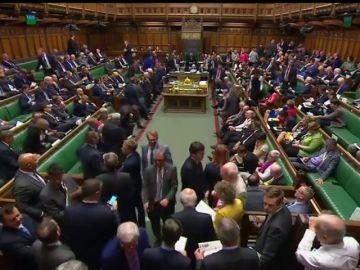 Theresay May frustra la rebelión en sus filas y gana la votación sobre la fase final de las negociaciones del 'brexit'