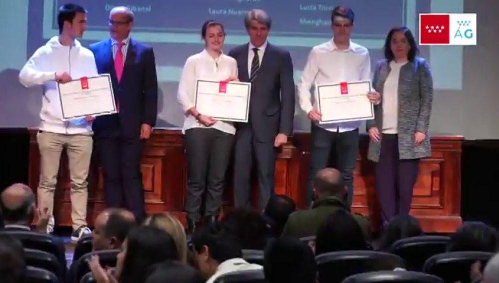 Un estudiante galardonado con los Premios Extraordinarios de la Comunidad de Madrid reivindica la equidad educativa frente a la excelencia