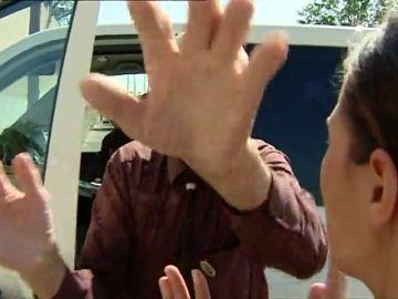 La brutal agresión a una periodista de Antena 3 que investigaba al expapa del Palmar de Troya