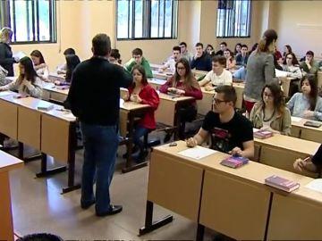 La mayoría de estudiantes extremeños reconocen que repetir los exámenes les ha beneficiado