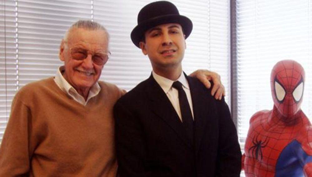 Stan Lee y su socio Keya Morgan