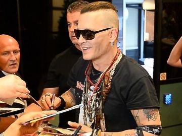 Johnny Depp con sus fans en Polonia