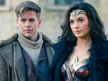 Chris Pine y Gal Gadot en 'Wonder Woman'