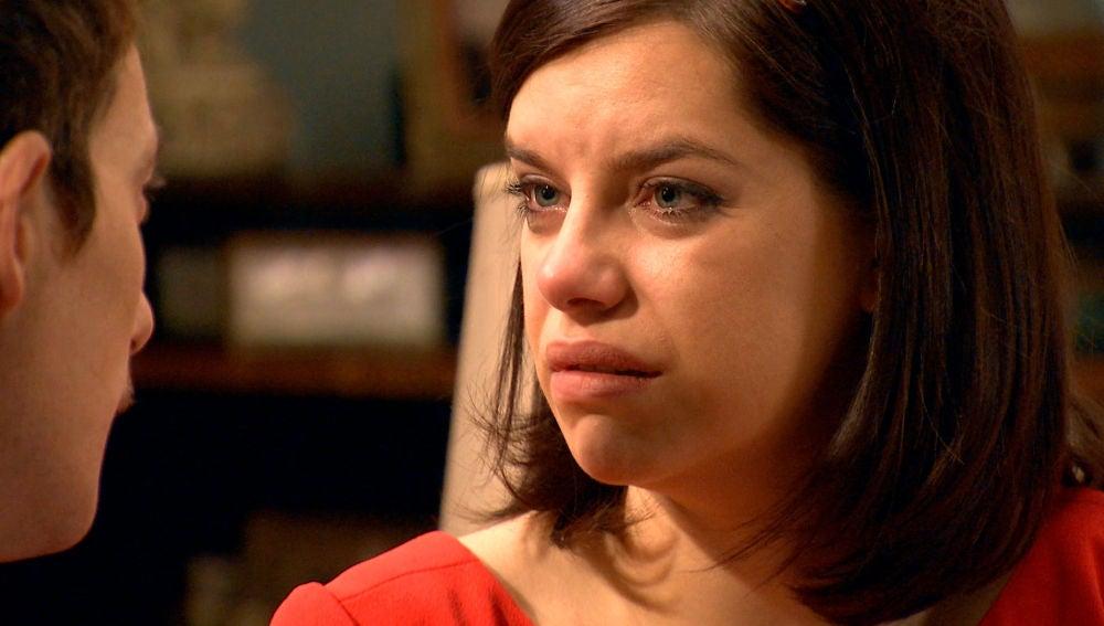 Marta se derrumba con Durán quién le confiesa su secreto