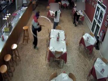 La Guardia Civil detiene a 6 personas que utilizaban escopetas recortadas y cuchillos para robar en bares