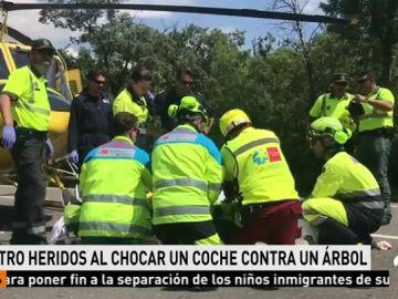 Cuatro heridos al chocar un monovolumen contra un árbol en la M-505 a la altura de El Escorial