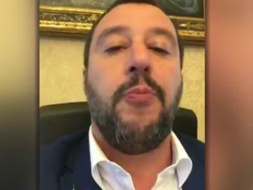 Salvini advierte de que ONG en el Mediterráneo no tocarán el suelo italiano