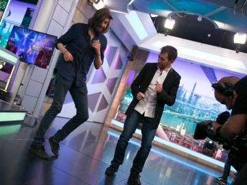 Salvador Sobral sorprende en 'El Hormiguero 3.0' con talento bailando salsa