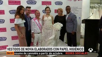 Los diez mejores vestidos de novia creados con papel higiénico desfilan por la pasarela en Nueva York