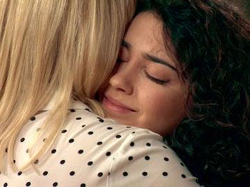 Belén y Charo, un abrazo de madre e hija