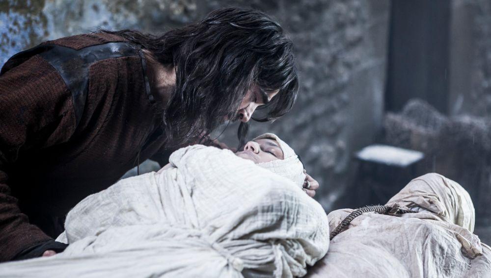 La terrible muerte de María, narrada por Ariadna Castellanos