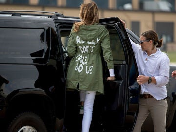 Polémica chaqueta de Melania Trump