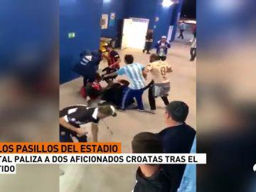 Varios aficionados argentinos propinaron una brutal paliza a un seguidor de Croacia en el estadio