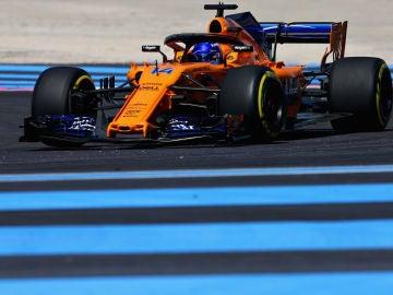 Fernando Alonso rueda en el circuito de Paul Ricard