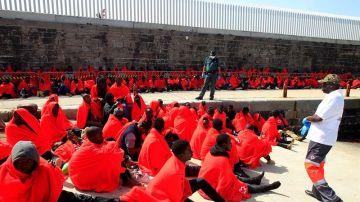 Inmigrantes rescatados en aguas españolas