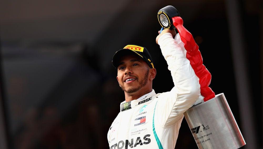 Hamilton celebra su victoria en el GP de Francia