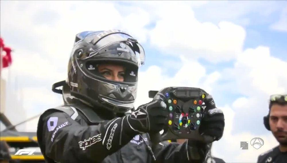 Aseel Al-Hamad, piloto iraní que condujo un Fórmula 1 en Paul Ricard