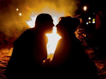Celebración de la noche de San Juan en la playa tarraconense de Salou
