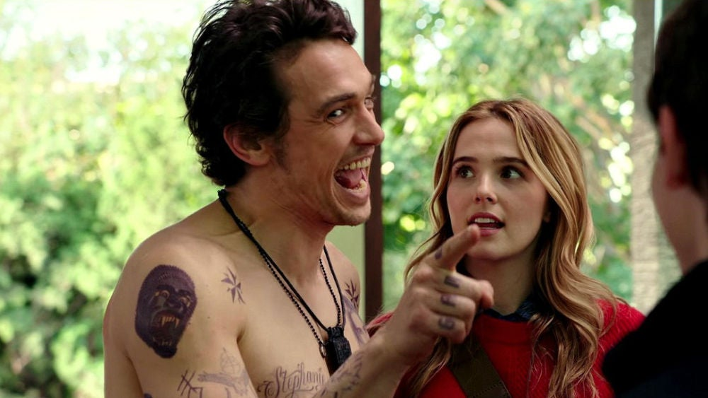 James Franco y Zoey Deutch en '¿Tenía que ser él?'