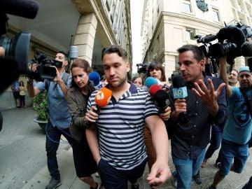 José Ángel Prenda a su llegada al juzgado de guardia de Sevilla