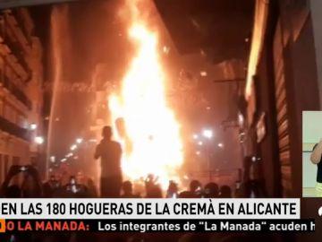 Un total de 180 monumentos arden en la Nit de la Cremà de las Hogueras de San Juan en Alicante