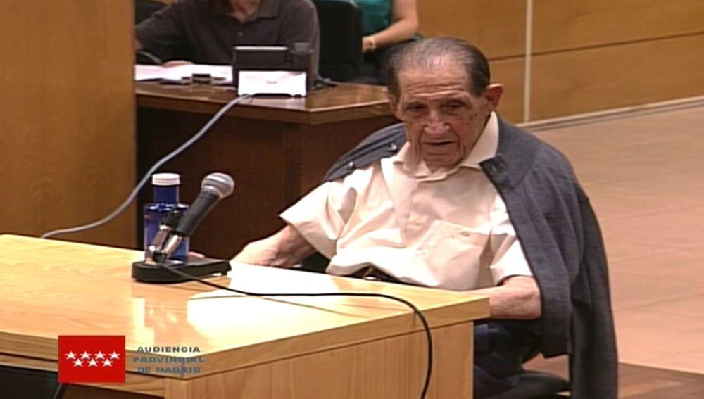 """Antena 3 Noticias 1 (26-06-18) El doctor Vela, ante el juez en el primer juicio por bebés robados: """"Yo no le he dado ninguna niña a nadie"""""""